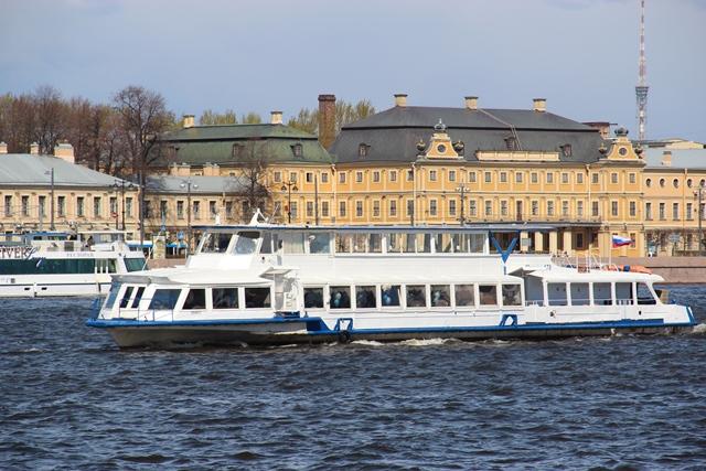 57e6ee14e72d13b Аренда теплохода в Санкт-Петербурге недорого